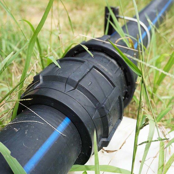 Применение полиэтиленовых труб в загородном строительстве